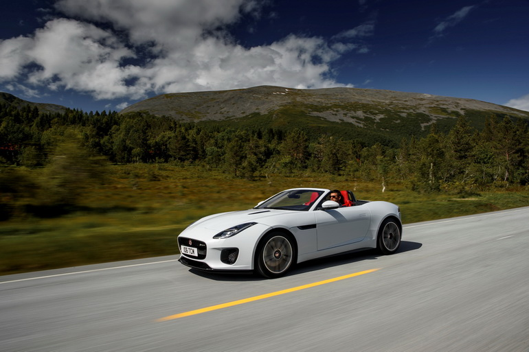 Jaguar F-TYPE Yulong White